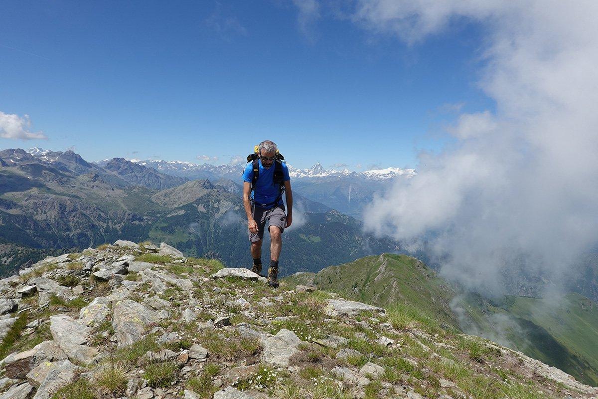 Salendo al Mont Giavin. Foto Andrea Greci